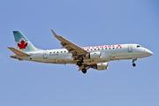 Embraer 170-200SU (C-FFYG)
