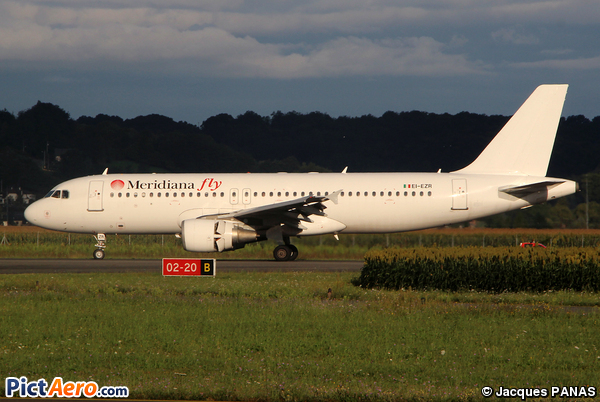 Airbus A320-214 (Meridiana Fly)
