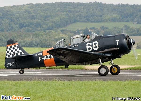 CCF AT-6 Harvard Mk.IV (Private/Privé)
