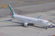 Boeing 767-304/ER  (I-AIGG)