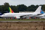 Airbus A320-214 (EK-32005)
