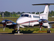 Raytheon B200 King Air (F-HEAL)
