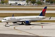 Boeing 757-232/WL (N666DN)