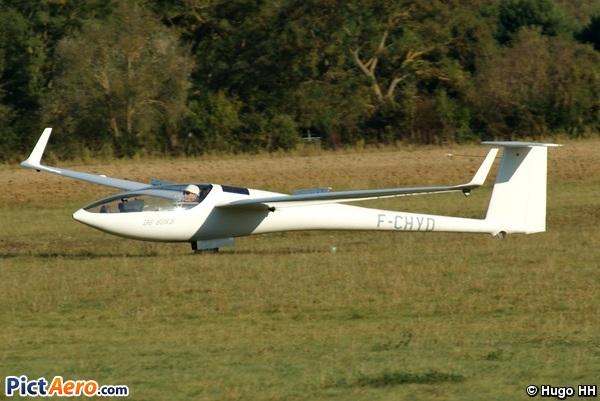 DG-FLUGZEUGBAU DG-800B (Aéroclub Pierre Herbaud d'Issoire)