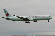 Boeing 767-33A(ER) (C-GHPE)