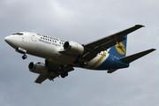 Boeing 737-55D (UR-GAZ)
