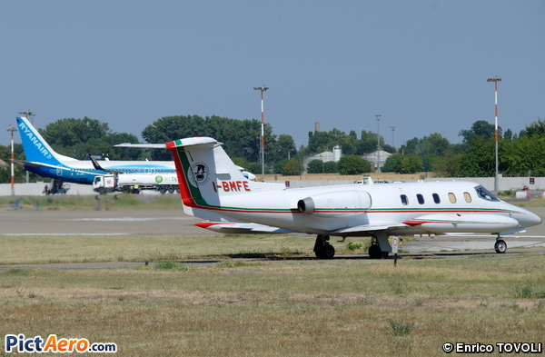 Learjet 25 (Private)
