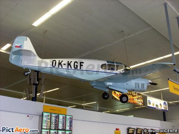 Let Aero Ae-45/145 (Untitled / Private)