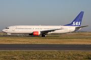 Boeing 737-883 (LN-RRW)
