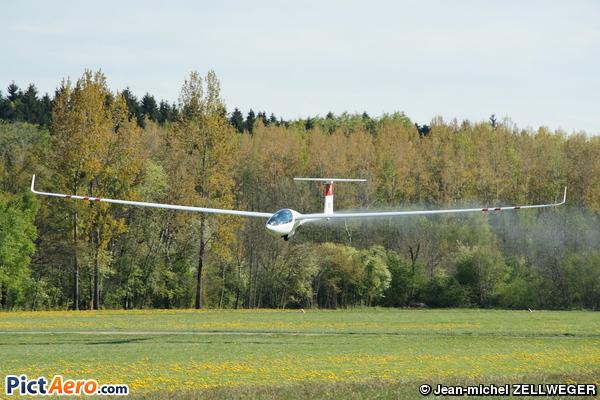 DG-Flugzeugbau DG-800 S (INFANTOLINO Sébastien)