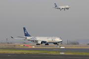 Airbus A330-223 - B-6528