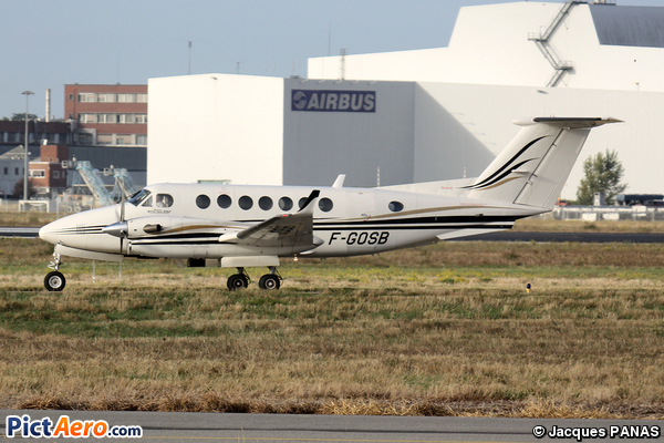Beech Super King Air 350 (Groupe Accor)