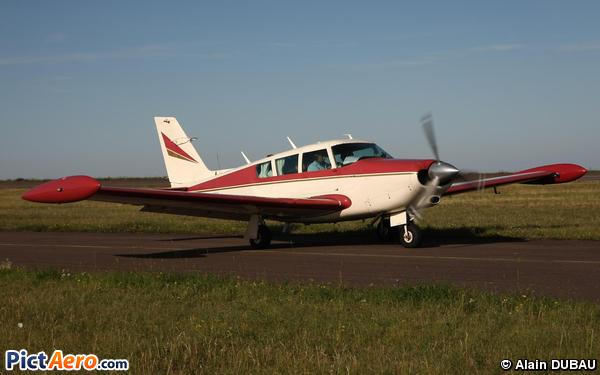 Piper PA-24-260 Commanche (Private / Privé)