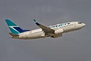 Boeing 737-7CT/WL (C-FMWJ)