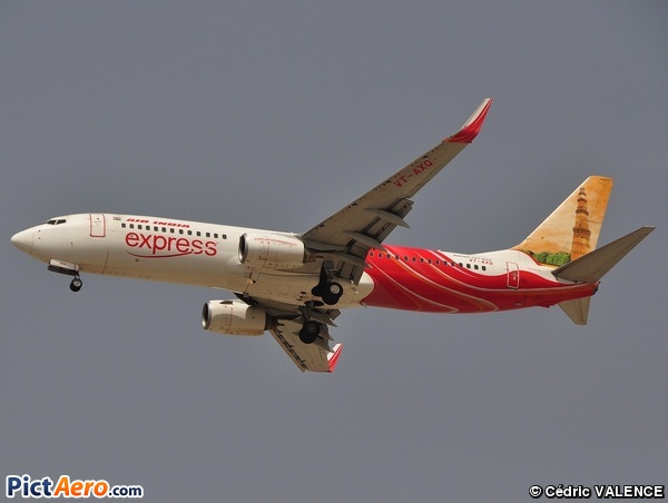 Boeing 737-8HJ/WL (Air India Express)