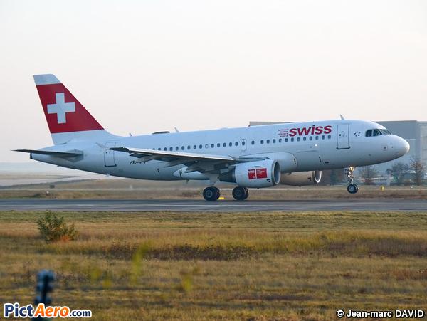 Airbus A319-112 (Swiss International Air Lines)
