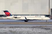 Canadair CL-600-2B19 Regional Jet CRJ-200ER (N812CA)