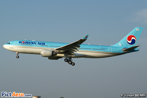 Airbus A330-223X (Korean Air)