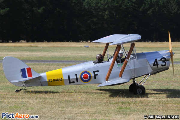 R80 Tiger Moth (Private)