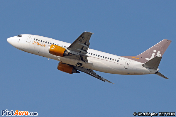 Boeing 737-382/QC (Jettime)
