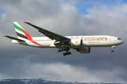 Boeing 777-21H/LR (A6-EWH)