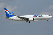 Boeing 737-8Q8 (C-GDGT)