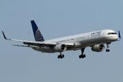 Boeing 757-33N (N57869)