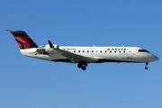 Canadair CL-600-2B19 Regional Jet CRJ-200ER (N937EV)
