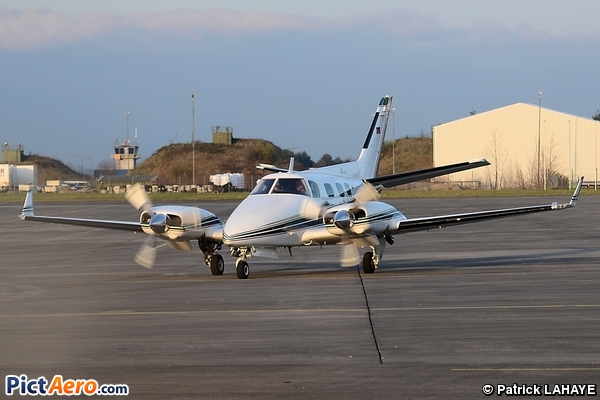 Beech 60 Duke (Air Charters Europe)