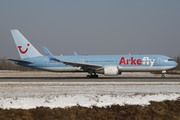 Boeing 767-304/ER (PH-OYE)