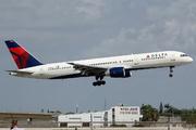 Boeing 757-251 (N523US)