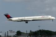 McDonnell Douglas MD-88 (DC-9-88) (N955DL)