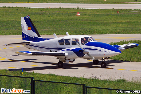 Piper PA-23-250-Aztec E (Aeroclub Barcelona-Sabadell)