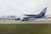 Boeing 767-352/ER (CC-CDM)