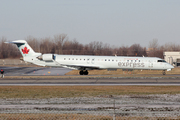 Canadair CL-600-2D15 Regional Jet CRJ-705ER (C-FLJZ)