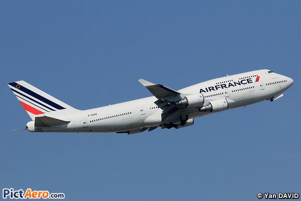 Boeing 747-428M (Air France)