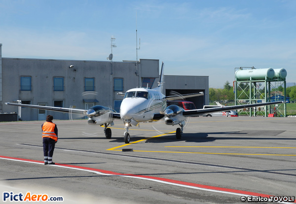 Beech C90B King Air (Private)