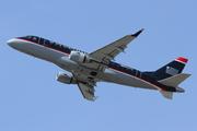 Embraer ERJ 170-100SU (N827MD)
