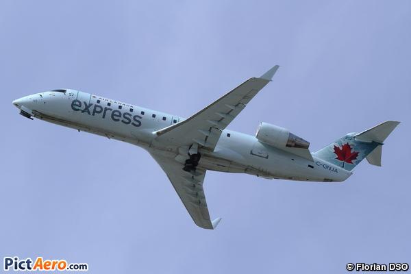 Canadair CL-600-2B19 Regional Jet CRJ-200ER (JAZZ Aviation LP)