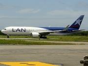 Boeing 767-316/ER (CC-CWF)