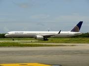 Boeing 757-33N/WL (N57864)