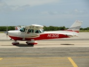 Cessna R172K SkyHawk XP (HI-306)