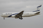 Boeing 767-27E/ER