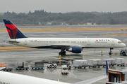 Boeing 757-251 (N550NW)