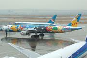 Boeing 777-381 (JA754A)