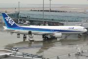 Boeing 767-381 (JA8342)