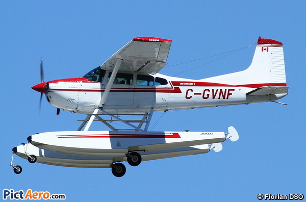 Cessna A185F Skywagon (Privé / Private)