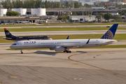 Boeing 757-33N/WL (N57868)