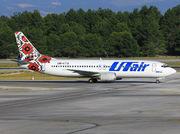Boeing 737-4Q8 (UR-UTG)