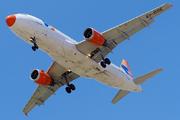 Airbus A320-211 (EI-DOE)
